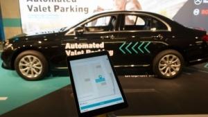 Automated Valet Parking: Der Fahrer lässt parken.