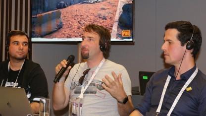 Pawel Smolewski, Brendan Greene und Marek Krasowski (v. l. n. r.) auf der Gamescom