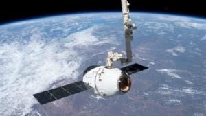Die Dragon-Raumkapsel hat den HPE-Computer zur ISS transportiert.