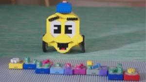 Algobrix-Roboter und Programmierbausteine