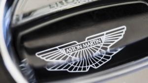 Startknopf eines Aston Martin V12 Vantage S