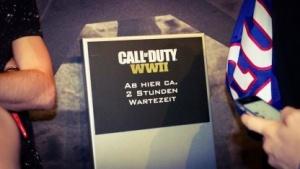 Dieses Schild markiert das Ende der Warteschlange bei Activision.