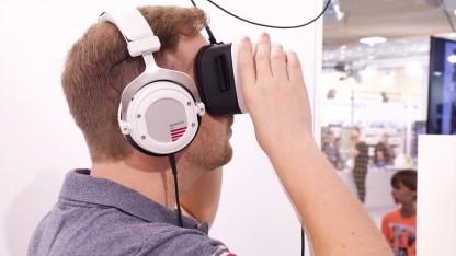 Wir spielen auf der Ifa 2017 mit dem Zeiss VR One Plus