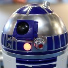 Star-Wars-Roboter: Spheros R2-D2 blinkt und piept auf zwei oder drei Beinen