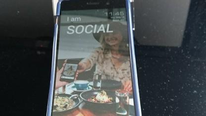 Das Smartphone von Tink Labs soll Hotelgästen helfen, ist aber unsicher.