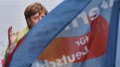 Die AfD übertönt Merkel - auf Facebook ist das häufig so.
