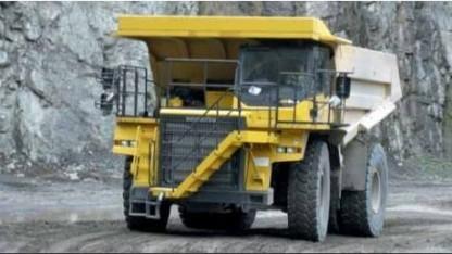Komatsu HD 605-7 (Symbolbild): größter Akku für ein Landfahrzeug