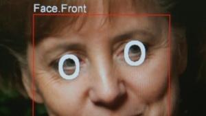 Kein Wahlplakat der CDU, sondern Gesichtserkennung mit einem Foto von Bundeskanzlerin Merkel