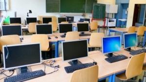 Computerraum einer Berufsschule