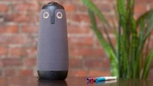 Meeting Owl sieht aus wie eine kleine Eule gekreuzt mit Amazon Echo.