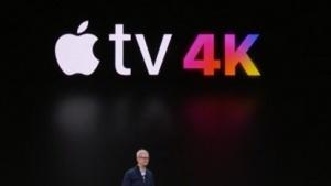 Apple-Chef Tim Cook zeigt Apple TV 4K.