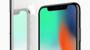 Das iPhone mit der Displayaussparung für Sensoren