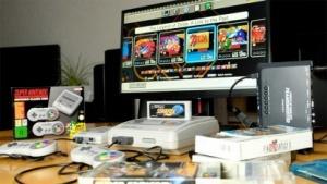 Unser Vergleichs-Setup vom SNES Classic Mini und Originalhardware