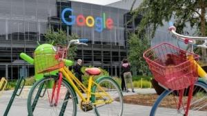 Auch Google soll einen smarten Videolautsprecher entwerfen.