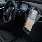 Verkehrssicherheit: In-Car-Systeme lenken Autofahrer vom Verkehr ab