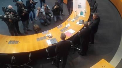Großer Andrang im Bundestag beim Auftritt der drei Geheimdienstchefs