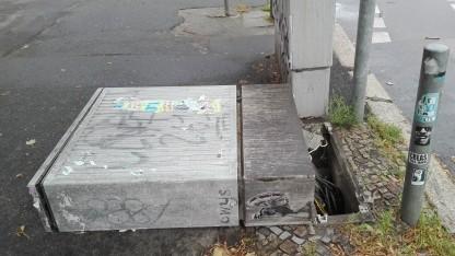 Multifunktionsgehäuse oder KVz: Festnetzschaden in Berlin-Mitte durch Sturm Xavier