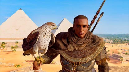 Das Bild mit Senu und Bayek haben wir im Fotomodus von Assassin's Creed Origins aufgenommen.
