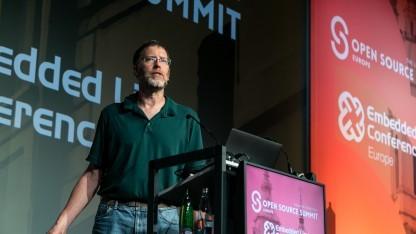 Ronald Minnich auf dem Open Source Summit in Prag