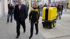 Roboter Postbot: kann 150 kg Briefe transportieren