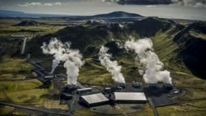 Geothermiekraftwerk Hellisheiði: Gas mineralisiert am Basalt.