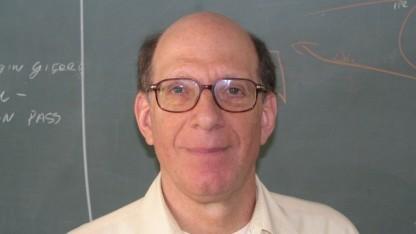 Andrew S. Tanenbaum freut sich über die weite Verbreitung seiner Erfindung Minix.