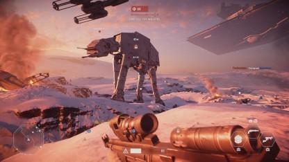 Der riesige AT-AT stampft über den Planeten Hoth.