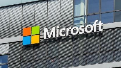 Im Cloud-Geschäft wartet viel Geld, Microsoft nutzt dafür auch Open-Source-Software.