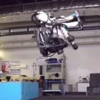 Boston Dynamics: Humanoider Roboter Atlas macht Salto rückwärts
