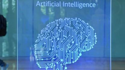 Künstliche Intelligenz (Symbolbild): eine auf KI basierende Gottheit aus Hardware und Software