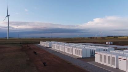 Teslas Netzspeicher für Windkraftwerk soll Stromausfälle verhindern.