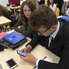 Bayern: Eltern wollen Lockerungen beim Handyverbot an Schulen