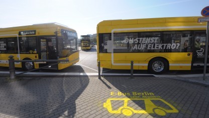 Seltener Anblick: Elektrobus der BVG in Berlin