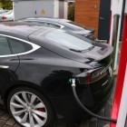 Kostenfreier Strom aus dem Supercharger: Cryptomining im Tesla-Kofferraum