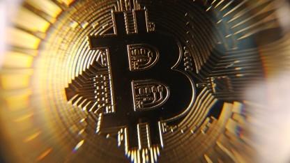 Der Bitcoin bleibt eine hoch spekulative Anlage.