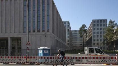 Schwer zu kontrollieren: der BND mit seiner neuen Zentrale in Berlin