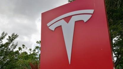 Tesla baut eigene KI-Hardware.