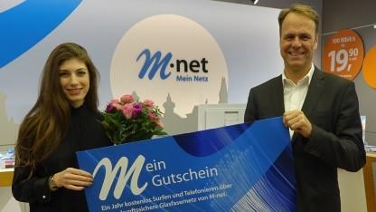 Die hunderttausendste M-net-Kundin für FTTH/B