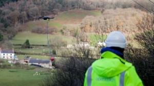 Drohne hilft beim Kabelverlegen: viele Tricks und Techniken