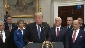 Trump hielt eine Rede zur neuen Nasa Direktive im weißen Haus