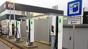 Ultra-Schnellladesäulen: Ladeleistung wird auf 350 Kilowatt erhöht.