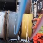 2018: Telekom will Glasfaser pflügen, aufhängen und trenchen