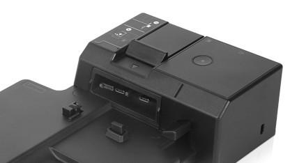 USB Typ C wird seitlich eingeklinkt.