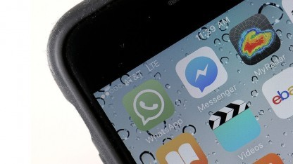 Apps wie Whatsapp und der Facebook Messenger können Sicherheitsprobleme bei Gruppenchats haben.