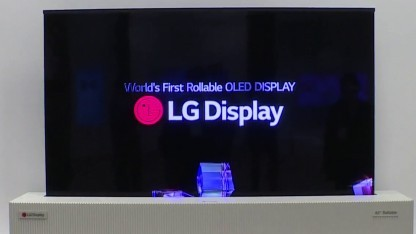 Oled Lg Zeigt Aufrollbaren 65 Zoll Fernseher Mit 4k Auflösung