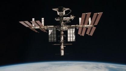ISS mit angedocktem Spaceshuttle: keine weitere Verlängerung?