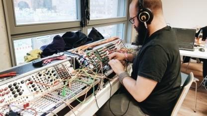 Moderner Magier: der Sounddesigner von Fireflies