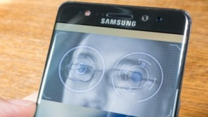 Den Iris-Scanner hatte Samsung erstmals beim gescheiterten Galaxy Note 7 präsentiert.