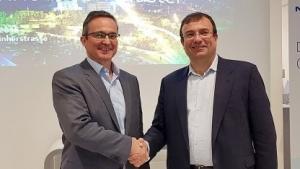 Marc Rouanne, President of Mobile Networks Nokia, und Cayetano Carbajo Martin, CTO von Telefónica Germany, vereinbaren den gemeinsamen Aufbau des Early 5G Innovation Cluster.