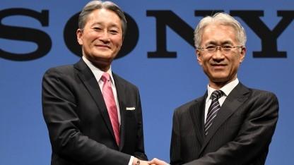 Sony-CEO Kaz Hirai (links) stellt in Tokio seinen Nachfolger Kenichiro Yoshida vor.
